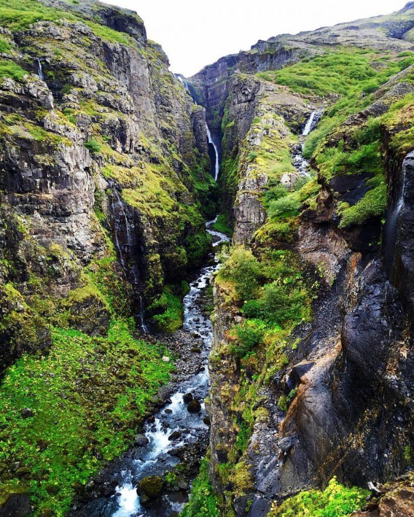 glymur-waterfall-hike