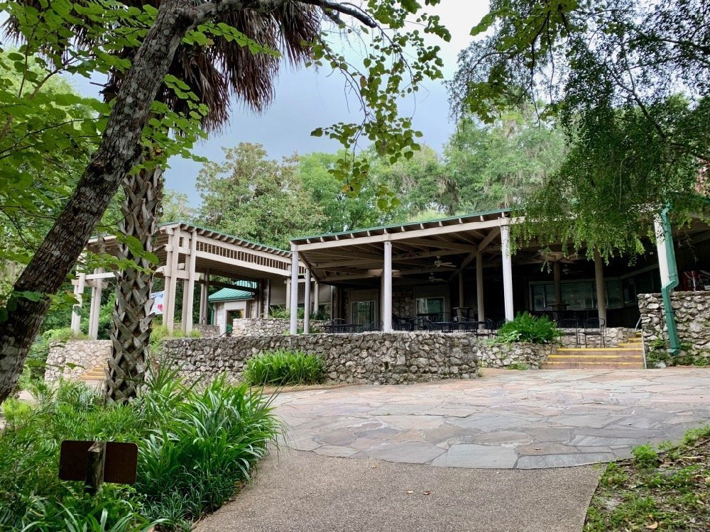 The concession stand attached to the gift shop and entrance to Rainbow Springs State Park.