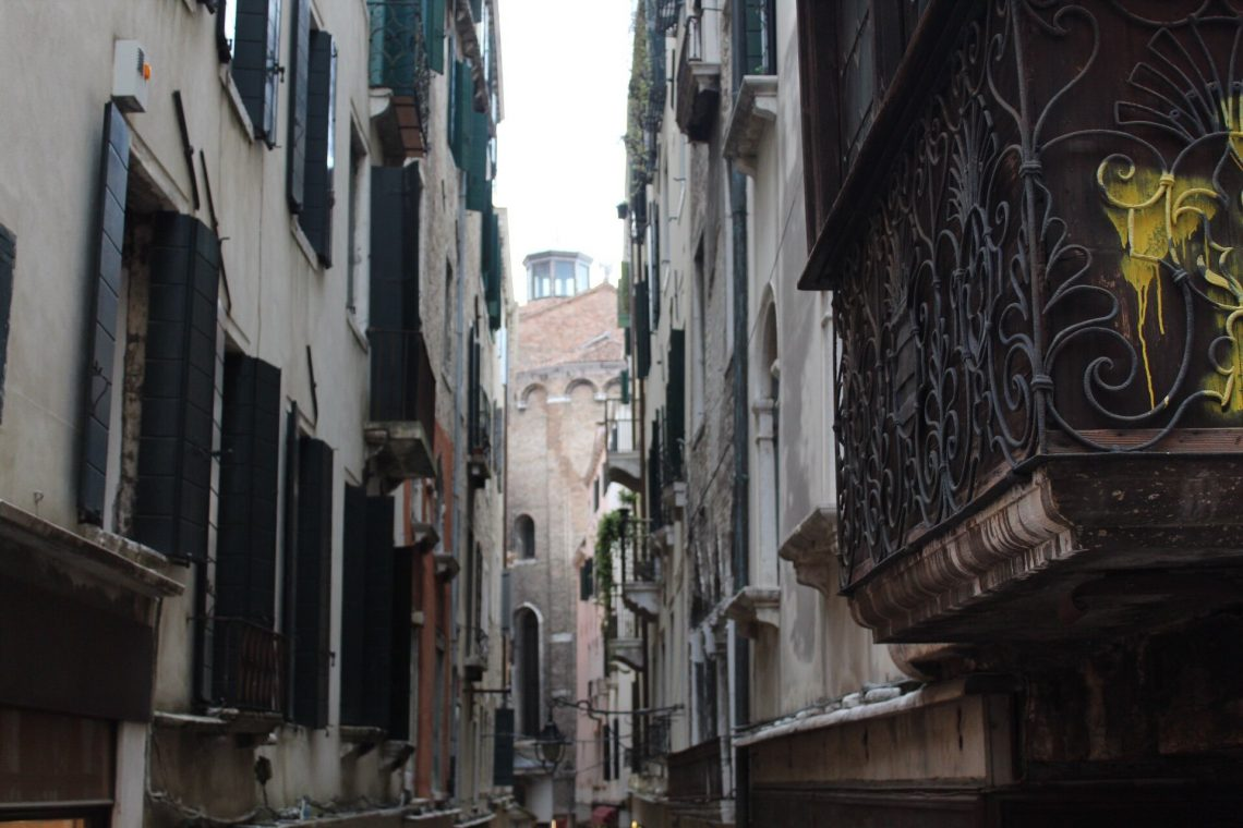 The narrow alleys of Venice, Italy.
